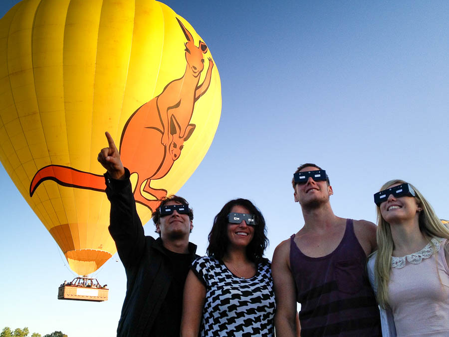 hot-air-balloon-cairns-cairns-eclipse-14-nov-2012
