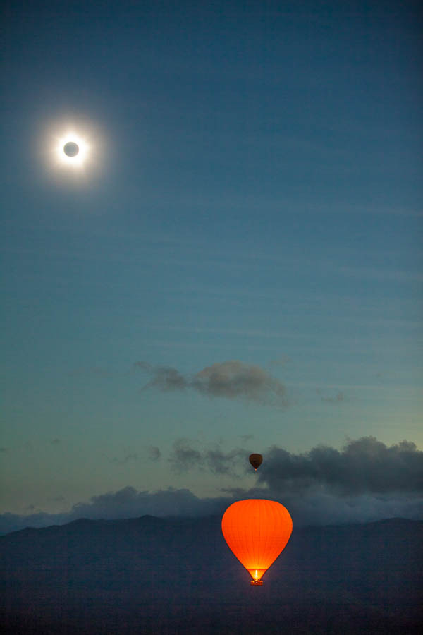hot-air-balloon-cairns-cairns-eclipse-14-nov-2012-img_5939