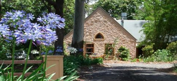 Witches Falls Cottages Tamborine Mountain accommodation bed and breakfast