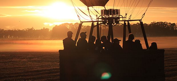 Australian-Bush-Ballooning-Sunrise-Hot-Air-Queensland