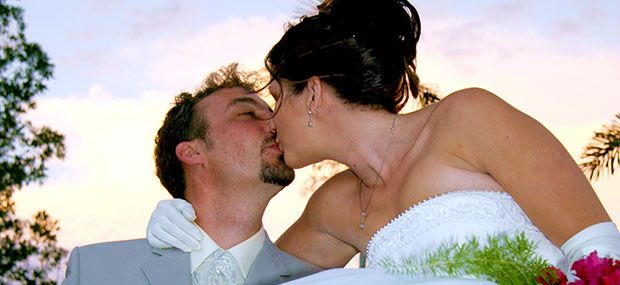 Ballooning-with-Hot-Air-Cairns-and-Brisbane-Wedding