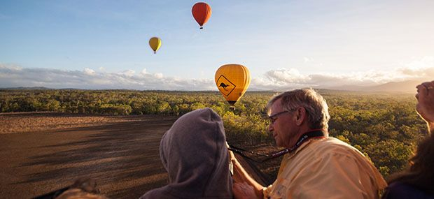 Ballooning-with-Hot-Air-Gold-Coast-and-Brisbane-Luxury-Tour
