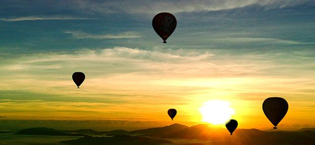 Fantastic-Hot-Air-Balloon-Flight-with-Sunrise